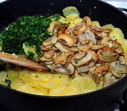 Что приготовить с шампиньонами и картофелем