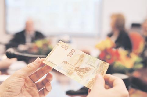 Как получить займы с маленьким процентом на карту