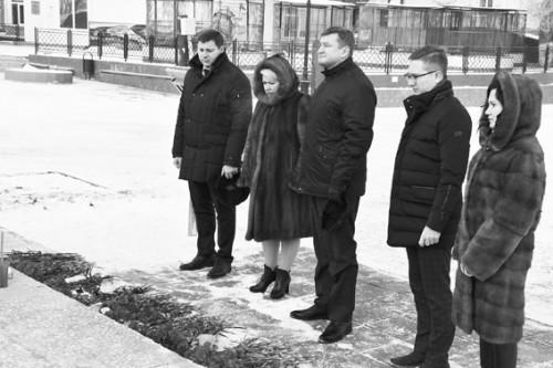 Названо число осиротевших после крушения Ан-148 детей