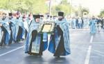 Крестным ходом со святыней